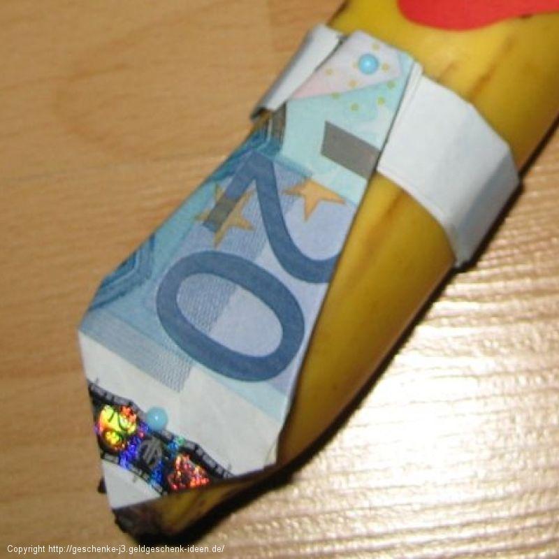 Krawatte aus Geld