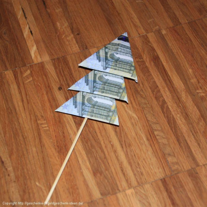 Geldtanne auf dem Spieß
