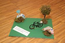 Geldgeschenk für einen Radfahrer